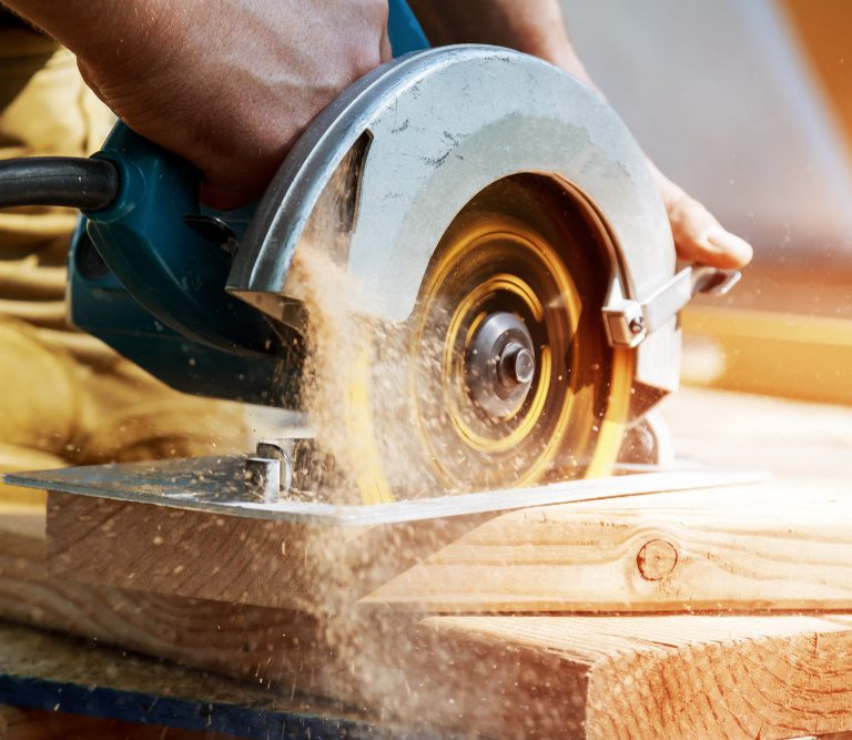 Make Quick Cuts With the Best Circular Saws