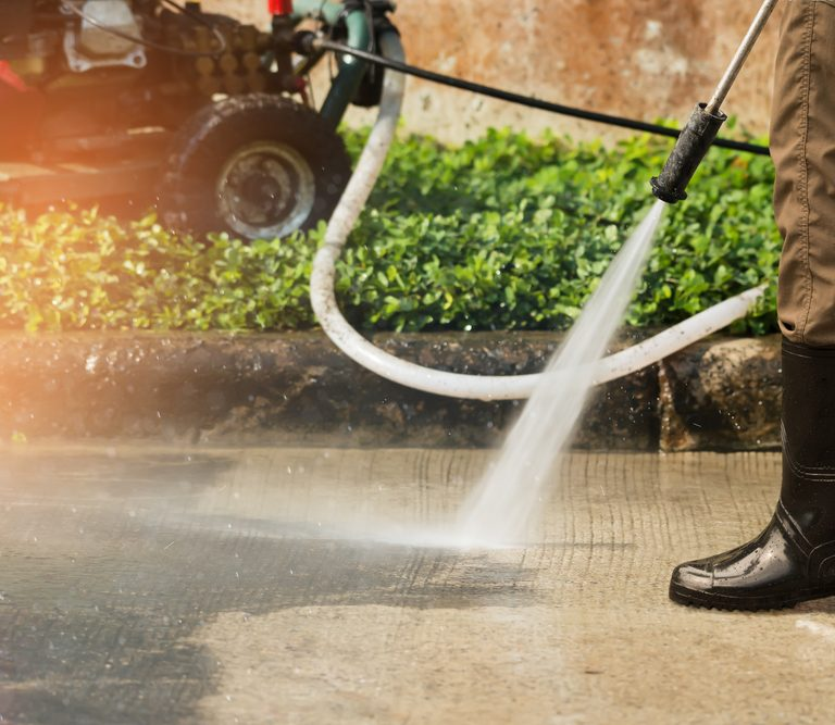 The 10 Best Pressure Washers to Buy 2021