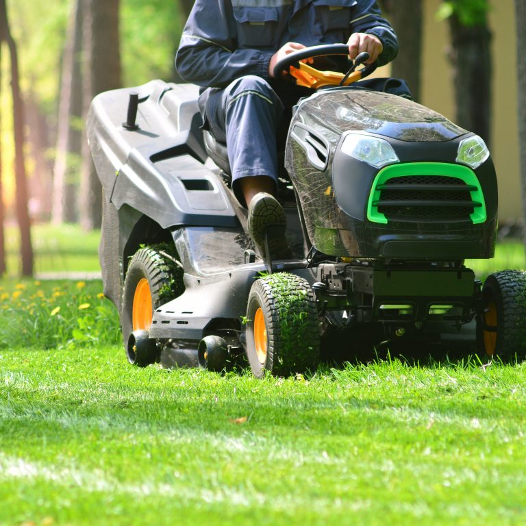 The 10 Best Riding Lawn Mowers to Buy 2020