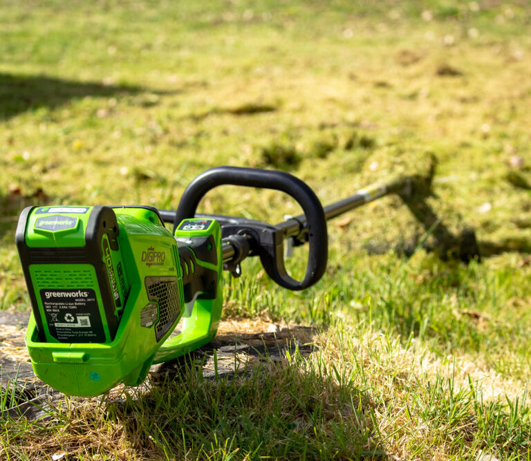 The 10 Best Battery-Powered Weed Eaters: Keep All Corners Of Your Lawn Tidy