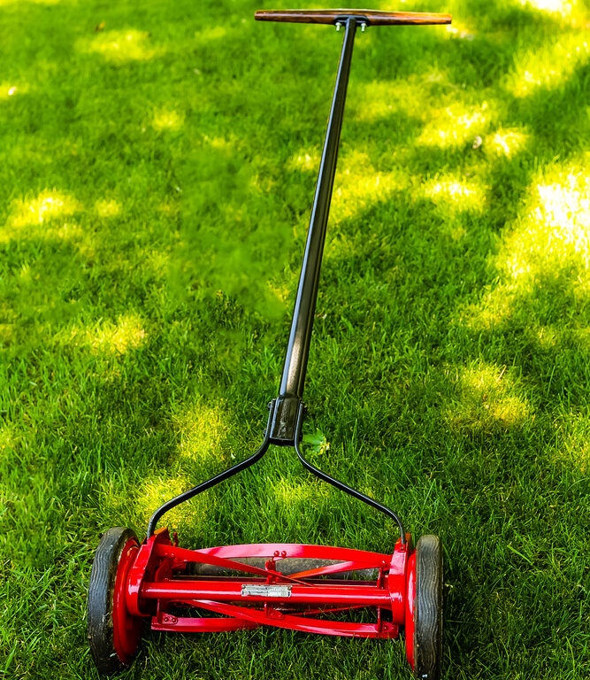 The Best Reel Lawn Mowers for Small Lawns