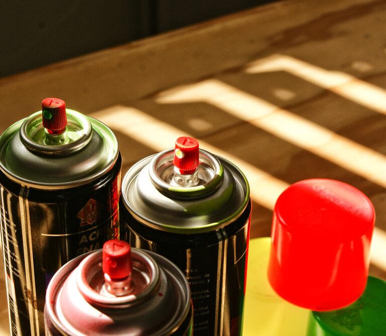 Best Spray Paint for Plastic: Colors that Stick