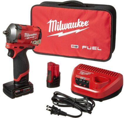 Milwaukee M12 FUEL Stubby Impact Wrench Kit