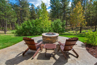 How to Easily Build a Fire Pit – Step-by-Step Guide