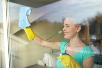 How to Clean Windows: The Easy Streak-Free Guide