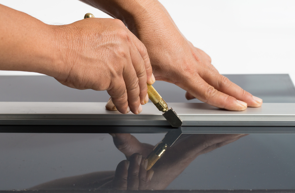 craftsman cutting glass