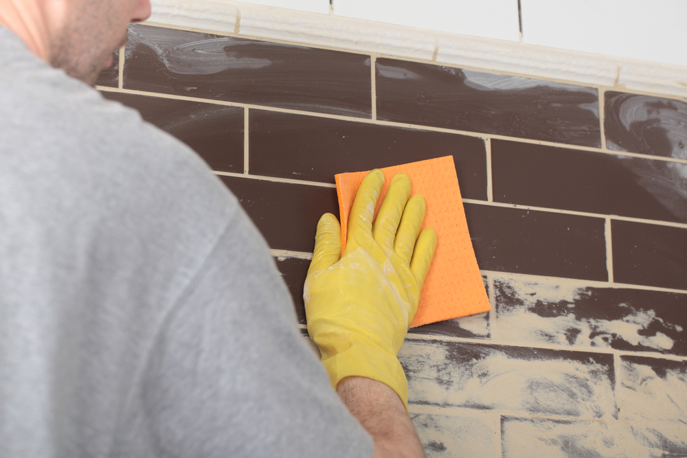 Cleaning grout haze on ceramic tiles