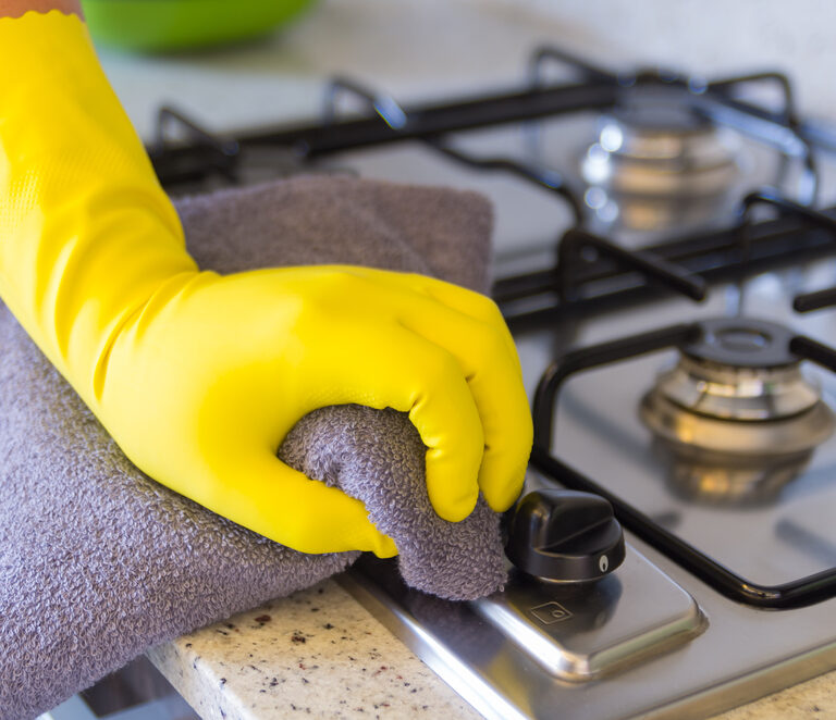 How to Clean Stove Burners on an Electric or Gas Range