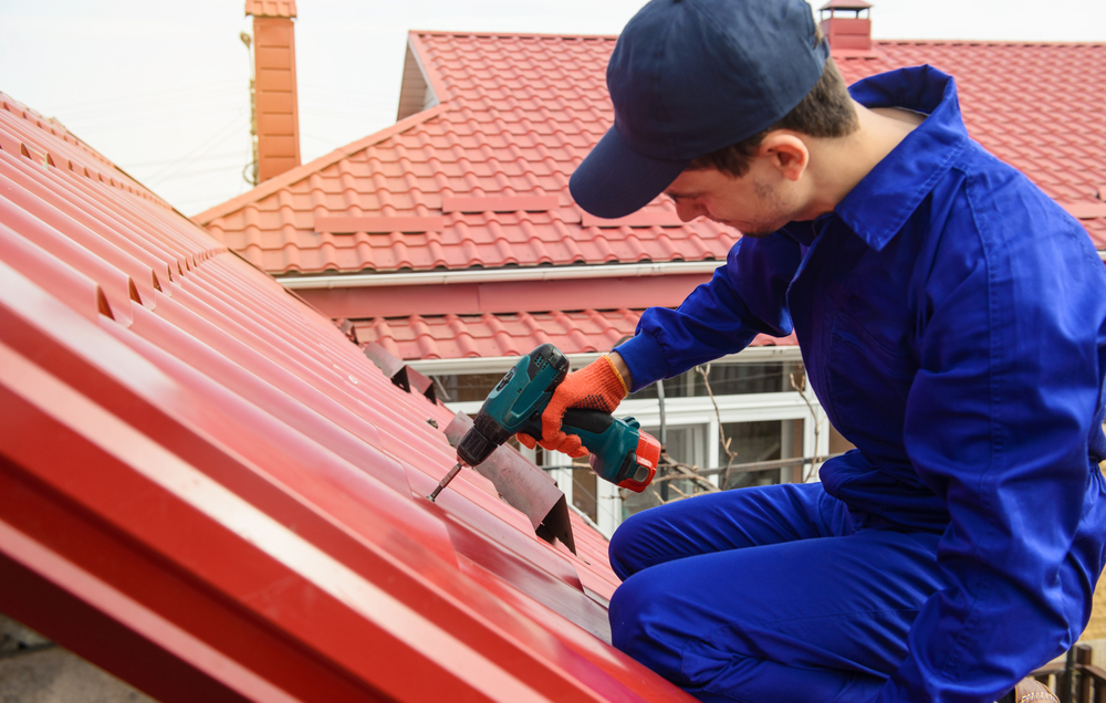 Metal Roof vs. Shingles: What's Best for Your Home?