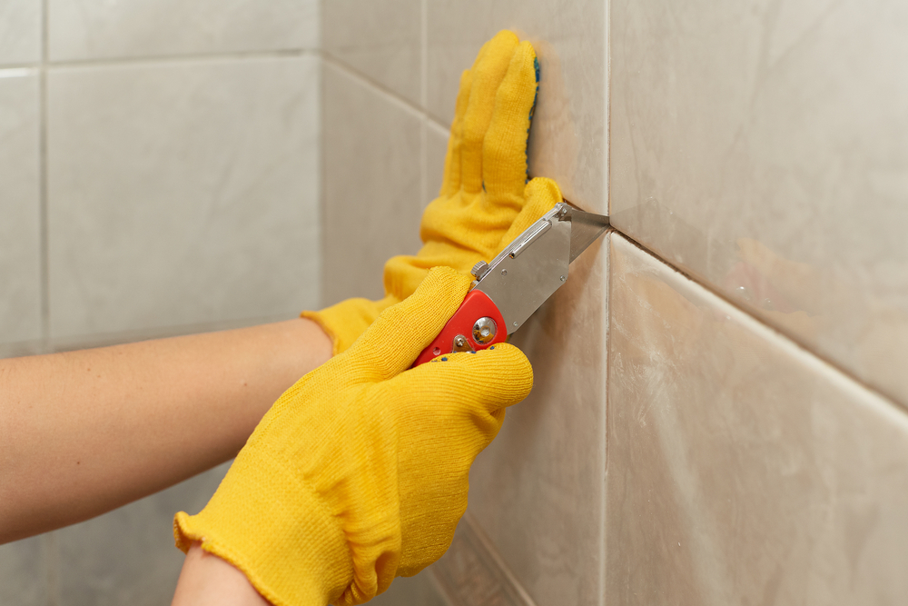Removing grout from tile