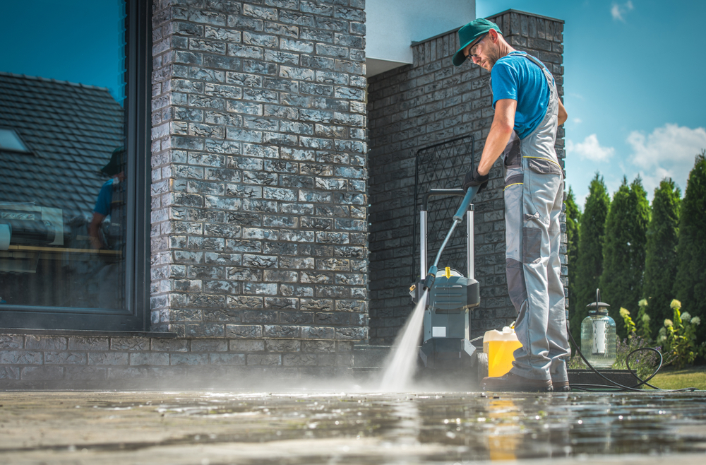 cleaning bricks at home